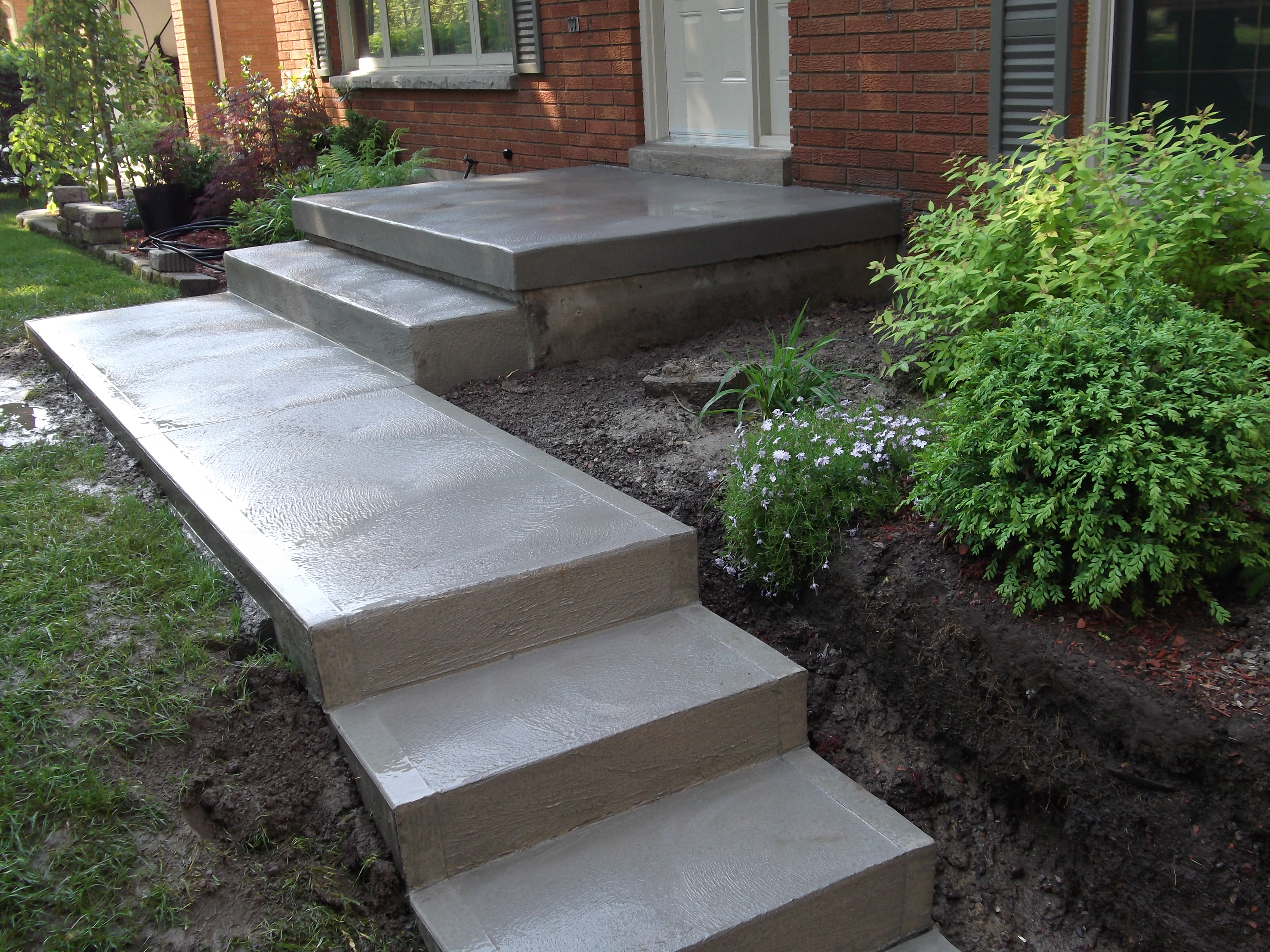 Cement man concrete services in chatham kent concrete for Ready made staircase